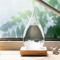 夏に涼やかな雰囲気を与えてくれる!ガラス素材のインテリアを集めてみました。