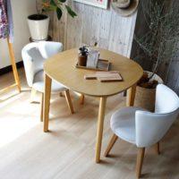 家族が集まる場所こそこだわりたい!おしゃれなテーブルセットでリビングに変化を!