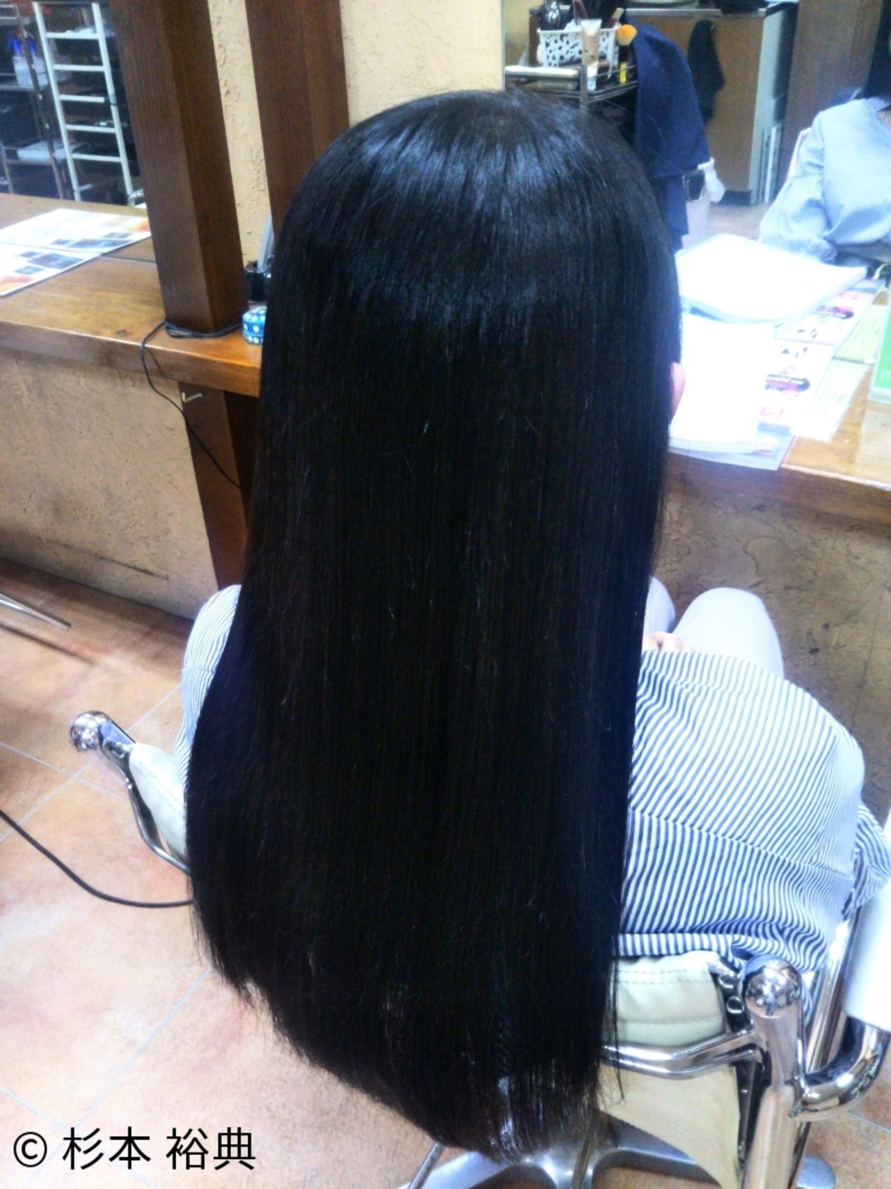 黒髪だからこそ出せるツヤ感で魅力的な女性に!2