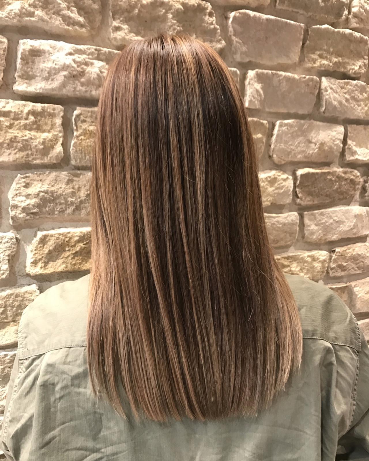 ロングの髪型!ストレートをヘアカラーでアレンジ8