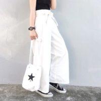 夏をさわやかに着こなしたい!白パンツのおしゃれなコーディネート15選☆