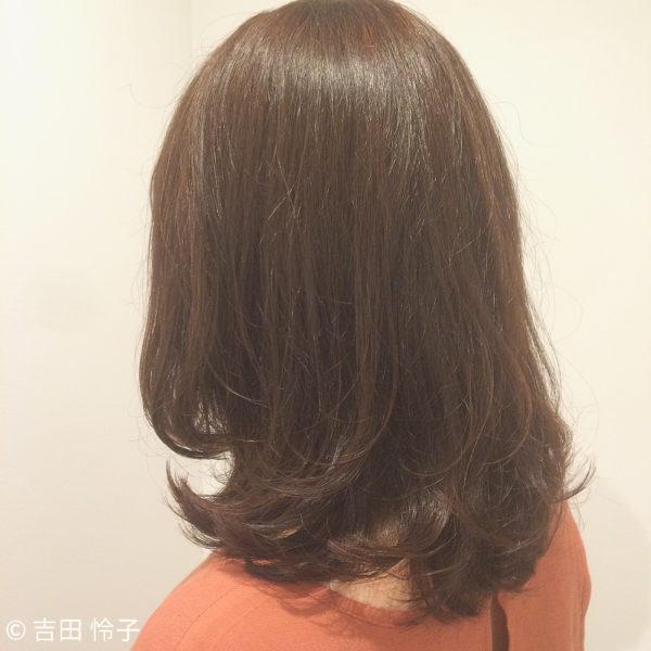軽やかなミディアムヘア6