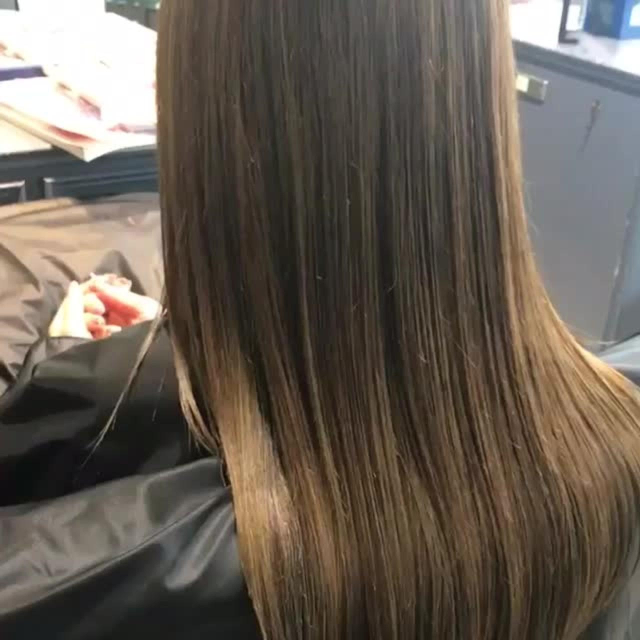 ロングの髪型!ストレートをヘアカラーでアレンジ6