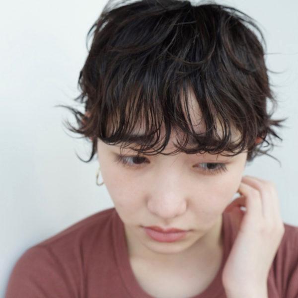 モードっぽさも出せる黒髪のベリーショート11