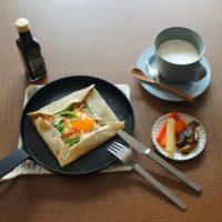 スキレットがあれば食卓がカフェのようなおしゃれ空間に大変身!