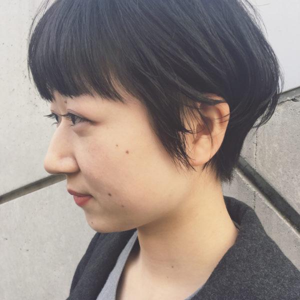 モードっぽさも出せる黒髪のベリーショート5