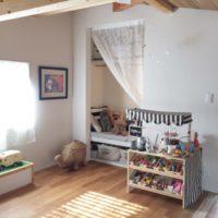 親子で笑顔で過ごせる!おしゃれな子ども部屋のインテリアや収納、おすすめのアイテムやアイディアをご紹介