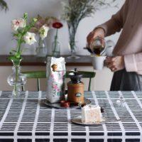 部屋の印象を簡単にイメチェン♪テーブルクロスを敷いて日々の食卓をもっと華やかに!