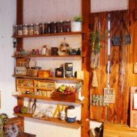 棚受けを使えば壁に棚が作れる!デッドスペースを利用して壁面収納を