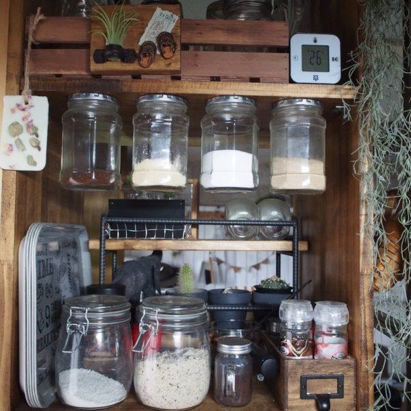 キッチン収納アイデア⑦ 吊り下げ収納実例4