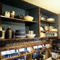 見せる?整える?キッチンの「吊戸棚」をもっと便利に使いこなすアイディア15選