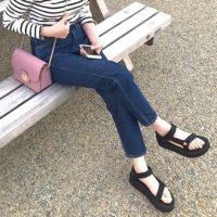 今年はどのサンダルを買う?夏の足元を飾るオシャレなサンダルコーデ特集♡