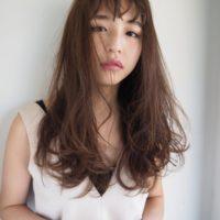 美人度UP!華やかで女性らしいロングヘアの巻き髪アレンジスタイル♡