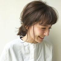 伸ばしかけの髪もオシャレに決めよう♪レイヤーの入ったミディアムヘア特集