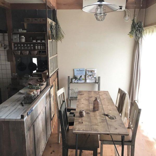 エイジングな古材風テーブル