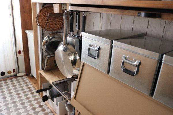 キッチン収納アイデア⑦ 吊り下げ収納実例7