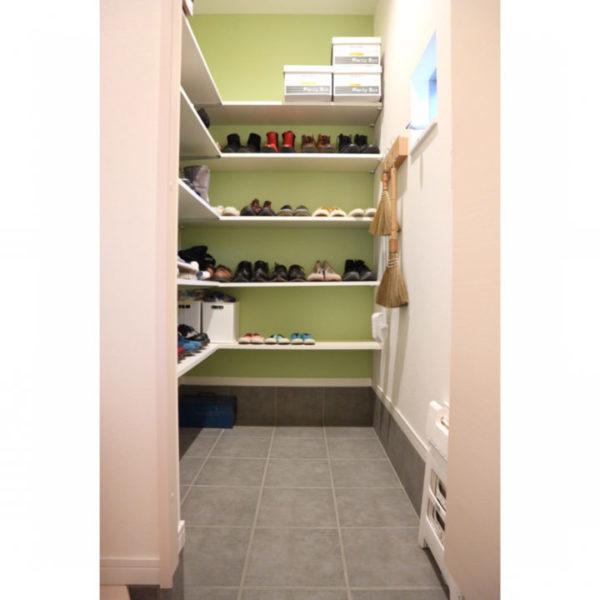 靴収納14