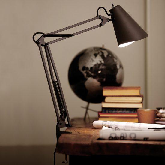 http://www.artworkstudio.co.jp/fs/awsproducts/desktop_lamp/aw-0369