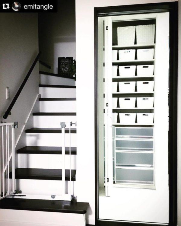 建て付けタイプの壁面収納棚9