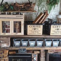 100均アイテムを駆使!おうちカフェを実現するショーケース&パンケースのDIYアイディア