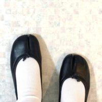 さりげないモード感をプラス☆足袋シューズで遊ぶ足元のオシャレ!