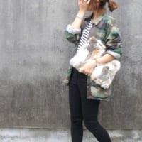 もこもこ可愛いファーの季節到来…♡ファーバッグを使ったおしゃれコーデ15選!