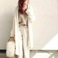 淡いカラーで柔らかい印象♡今年は淡色コーデをおしゃれに着こなす秋に♪
