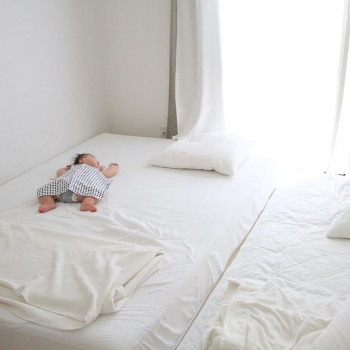 シンプルな寝室4
