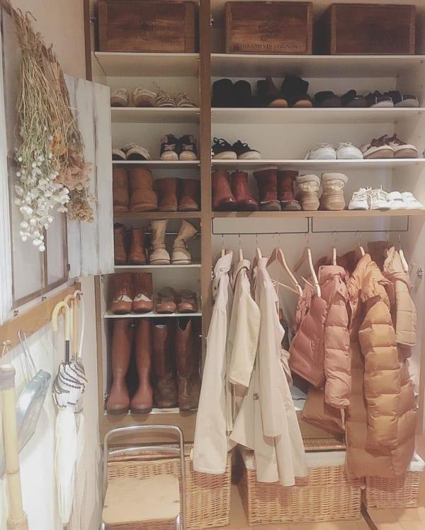 隠すのはもったいない!?お洒落に靴を見せる収納例4