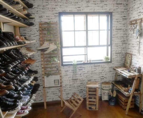 隠すのはもったいない!?お洒落に靴を見せる収納例6