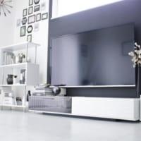 シンプル&スタイリッシュ!洗練さに溢れたホワイトカラーテレビボードのコーデ術