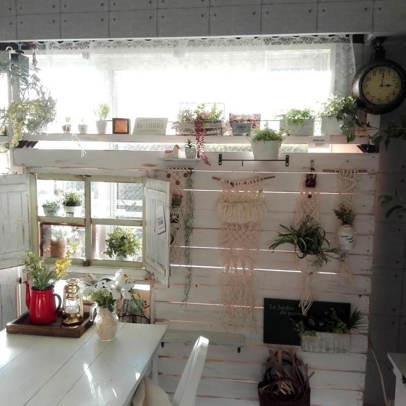 ラブリコを使ったDIYアイデア集 カフェ風小窓