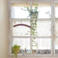 憧れの格子風や内窓も!DIYで作る窓回りをお洒落にするアイディア17選☆