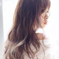 透明感とツヤ感を味方に!トレンドカラーとスタイリングで美髪をゲット♪