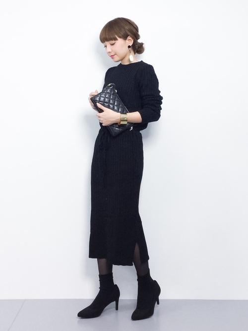 「オールブラック」という言葉を聞いたことがありますか?少し難易度が高いファッションコーデ方法ですが、人とは違った雰囲気を作ることが出来ます。