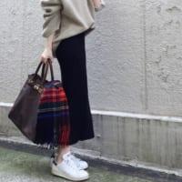 ユニクロの「メリノブレンドリブスカート」コーデ集☆美シルエットが大人カジュアルにぴったり♪