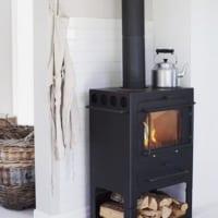 暖炉や薪ストーブで見た目から暖かく♡冬にぴったりの炎を楽しむインテリア集