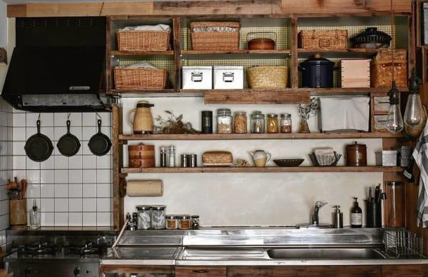 キッチン収納アイデア⑦ 吊り下げ収納実例1