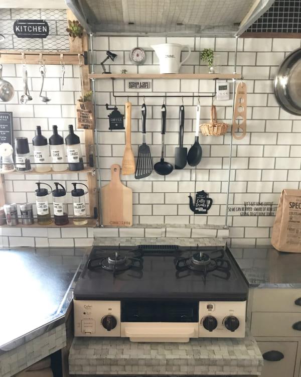 キッチン収納アイデア⑦ 吊り下げ収納実例2