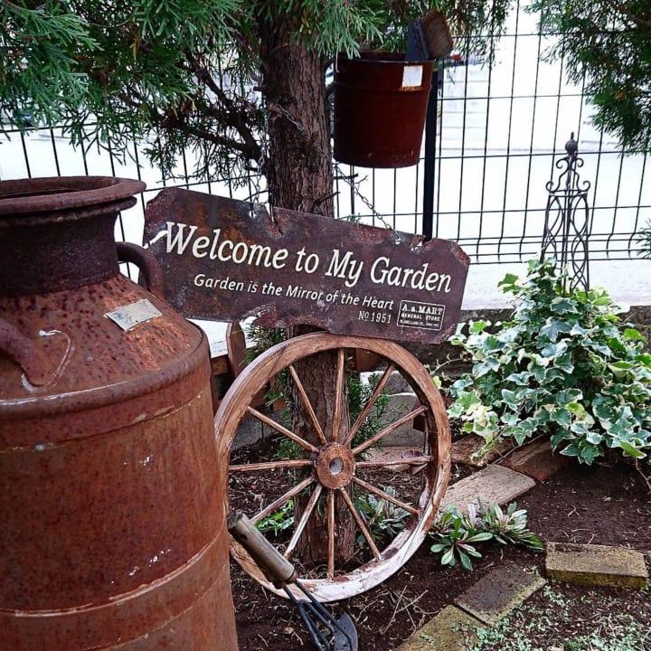庭にレンガや石・枕木で小道やパティオをDIY!2