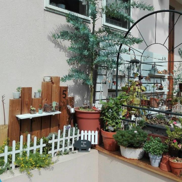 お庭に柵や棚、室外機カバーをDIYしよう!