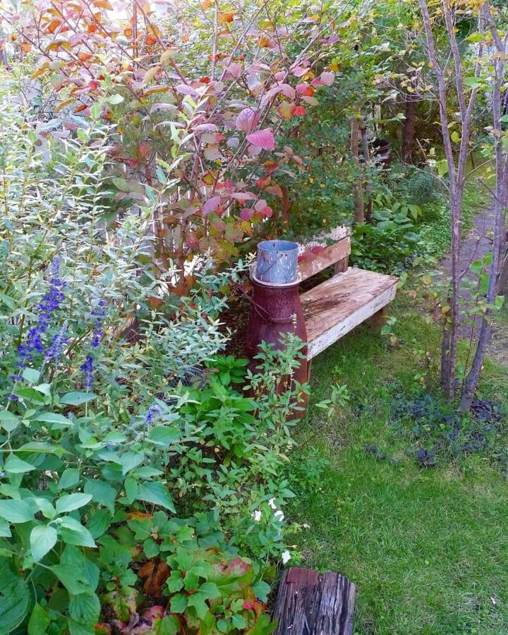 庭に椅子やベンチをおこう!5