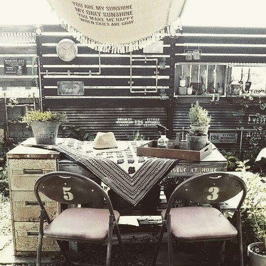 庭に椅子やベンチをおこう!4
