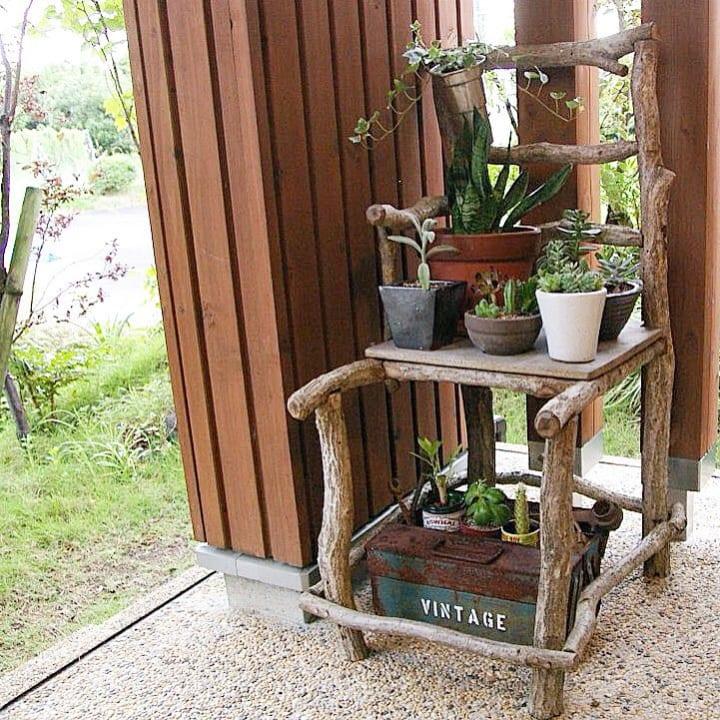 庭に椅子やベンチをおこう!