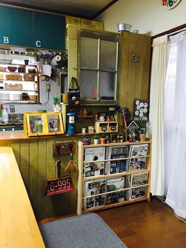 ダイニング側のキッチンカウンター下収納実例3