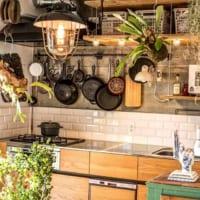 キッチン空間をよりいきいきと!かわいい調理器具を飾ったおしゃれなキッチンインテリア実例15選☆