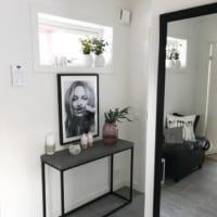 海外部屋っぽく仕上がる!ケイトモスのポスターを飾ったインテリア実例集☆