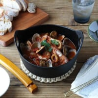 冬の食卓をおしゃれに楽しむ演出法!プレートなどが大活躍のテーブル