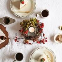 お家にクリスマスリースを取り入れよう♡壁やテーブルに飾って季節感を演出!