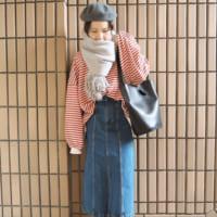 GUアイテムで女っぽコーデ♪今季人気のスカートやフリルネックなどご紹介します!